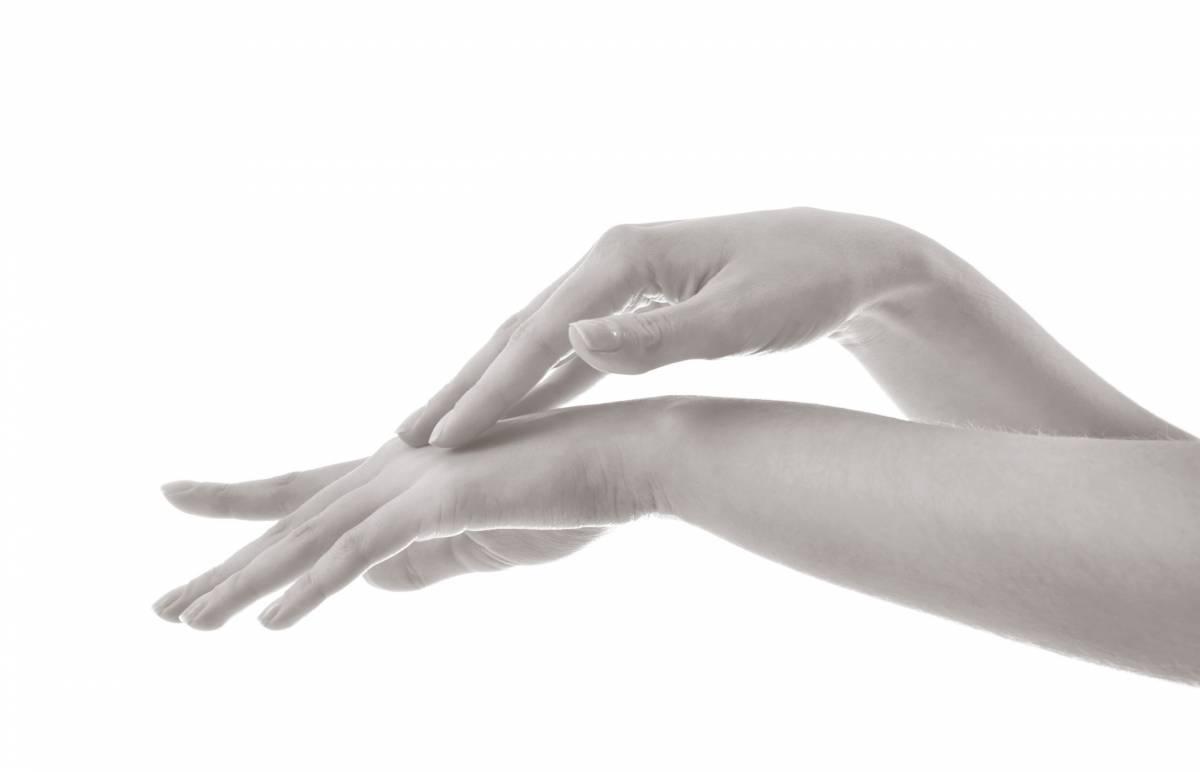 Rajeunissement des mains - Dr Hamou