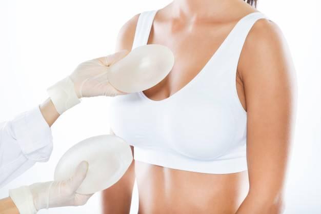 Chirurgien esthétique femme à Grenoble – Rhône Alpes | Dr Cynthia Hamou -