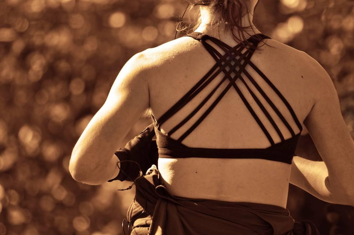 Femme Sportive Transpiration Excessive Traitement - Dr Hamou